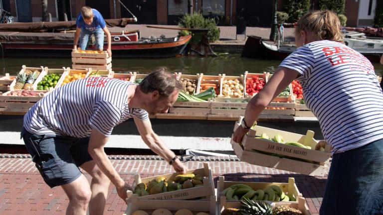 Foto Jannie C. de Groot LVAF - Groenteveiling Aalmarkt
