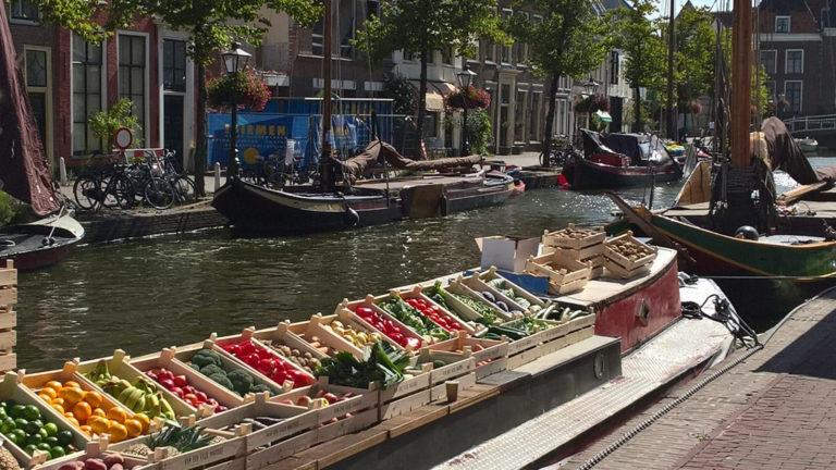Groenteveiling aan de Aalmarkt - Foto Hans Goossensen